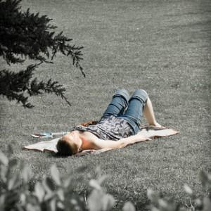 Pour apprendre la respiration abdominale, il vaut mieux d'abord s'allonger